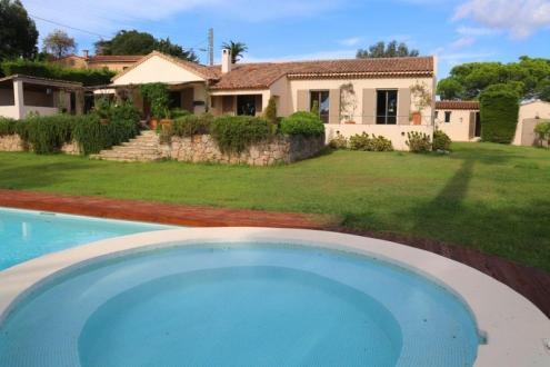 Luxury Villa for sale VALLAURIS, 200 m², €1490000