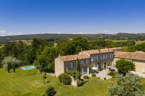 Luxus-Farm zu verkaufen MONTJUSTIN, 340 m², 7 Schlafzimmer, 1700000€