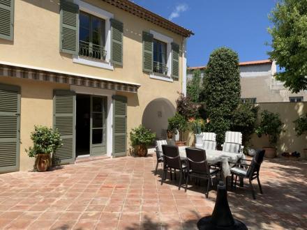 Luxus-Villa zu verkaufen FREJUS, 160 m², 3 Schlafzimmer, 750000€