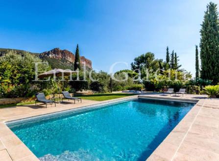 Maison de luxe à louer CASSIS, 300 m², 6 Chambres,