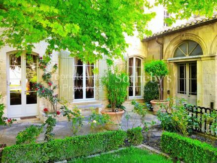 Maison de luxe à vendre VILLENEUVE LES AVIGNON, 650 m², 7 Chambres, 1685000€