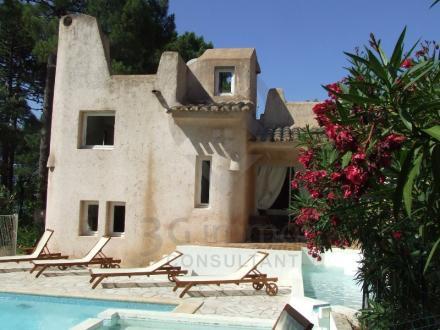 Дом класса люкс на продажу  Порто-Веккио, 400 м², 8 Спальни, 5450000€