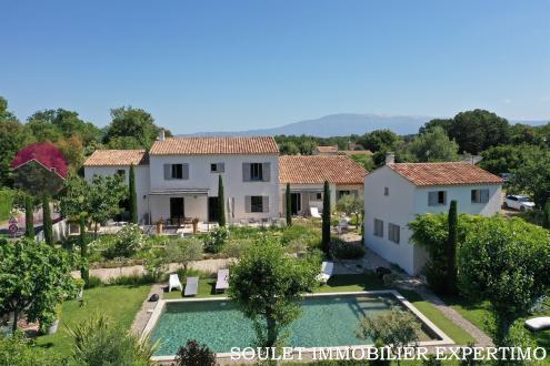 Casa di lusso in vendita PERNES LES FONTAINES, 300 m², 6 Camere, 895000€