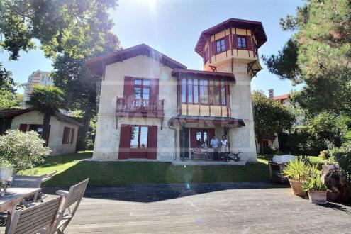 Luxus-Haus zu verkaufen ARCACHON, 340 m², 9 Schlafzimmer, 3280000€