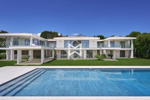 Вилла класса люкс на продажу  Гримо, 360 м², 6 Спальни, 9450000€