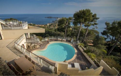 Villa de luxe à vendre VILLEFRANCHE SUR MER, 381 m², 5 Chambres, 4990000€