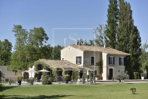 Maison de luxe à louer MAUSSANE LES ALPILLES, 330 m², 5 Chambres,