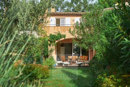 Maison de luxe à vendre GASSIN, 83 m², 3 Chambres, 690000€