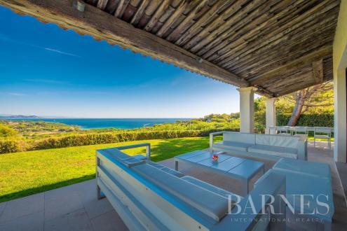 Maison de luxe à louer SAINT TROPEZ, 280 m², 5 Chambres,