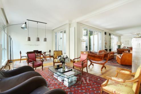 Hôtel particulier de luxe à vendre PARIS 16E, 320 m², 4 Chambres, 4500000€