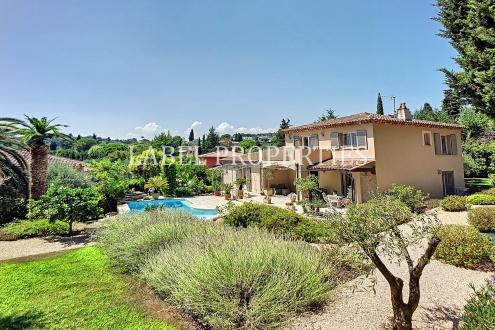 Maison de luxe à vendre MOUGINS, 180 m², 4 Chambres, 1390000€