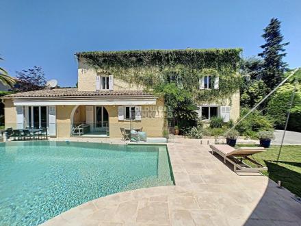 Maison de luxe à vendre MOUGINS, 300 m², 4 Chambres, 1245000€
