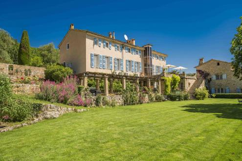 Maison de luxe à louer VALBONNE, 1200 m², 13 Chambres,