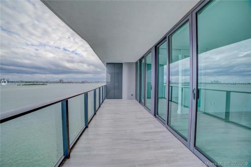 Appartement de luxe à vendre FLORIDE, 119 m², 2 Chambres, 849900$