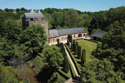 Château / Manoir de luxe à vendre CHATEAU GONTIER, 225 m², 2 Chambres, 595000€