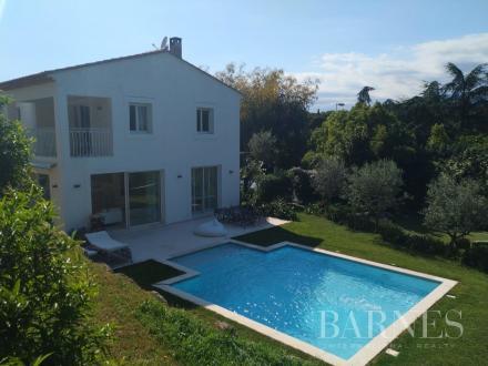Villa di lusso in vendita VALBONNE, 200 m², 4 Camere, 1350000€
