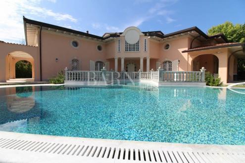 Luxe Villa te koop FORTE DEI MARMI, 420 m², 8 Slaapkamers, 4050000€