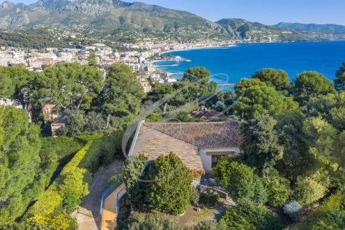 Villa de luxe à vendre ROQUEBRUNE CAP MARTIN, 324 m², 2600000€