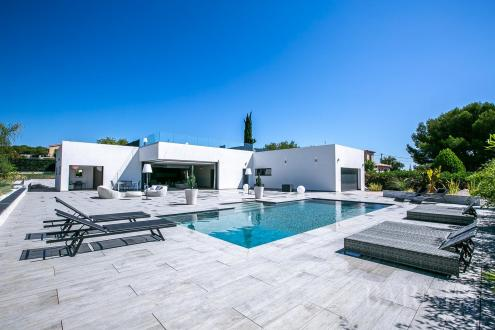 Luxury House for sale ANTIBES, 257 m², 4 Bedrooms, € 2 900 000