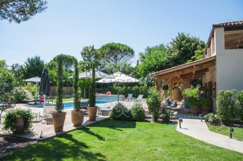 Maison de luxe à vendre AIX EN PROVENCE, 300 m², 8 Chambres, 1490000€
