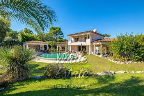 Maison de luxe à vendre MOUGINS, 300 m², 5 Chambres, 3750000€