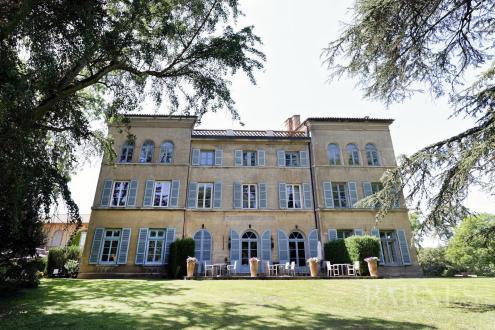 Luxus-Schloss / Herrenhaus zu verkaufen MACON, 880 m², 9 Schlafzimmer, 1680000€