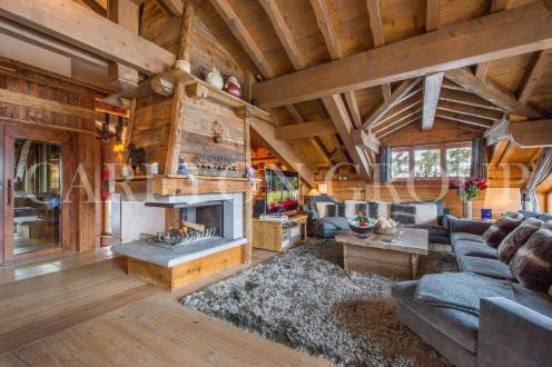 Luxury Chalet for rent COURCHEVEL, 350 m², 6 Bedrooms,