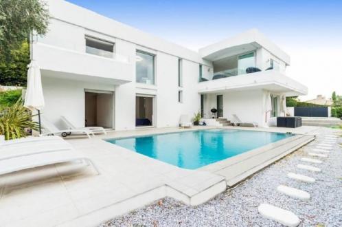 Casa di lusso in affito LE CANNET, 245 m², 4 Camere,