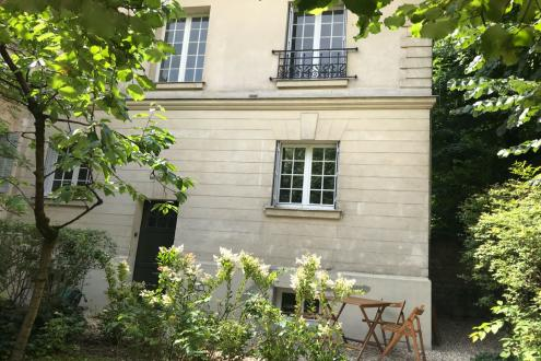 Luxury Apartment for rent PARIS 16E, 75 m², 2 Bedrooms, €4560/month