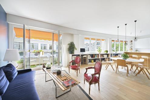 Appartement de luxe à vendre PARIS 7E, 151 m², 4 Chambres, 2390000€