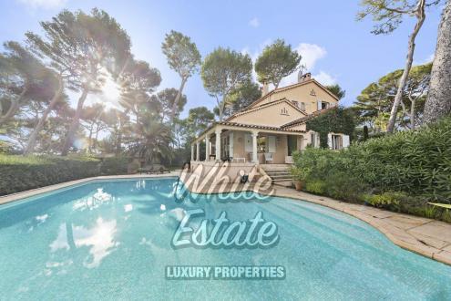 Дом класса люкс на продажу  Кап д'Антиб, 155 м², 3 Спальни, 2200000€