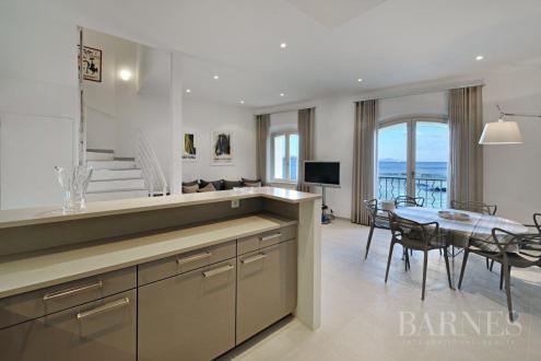 Квартира класса люкс в аренду Сен-Тропе, 150 м², 3 Спальни,