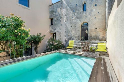 Maison de luxe à vendre MALLEMORT, 250 m², 4 Chambres, 585000€