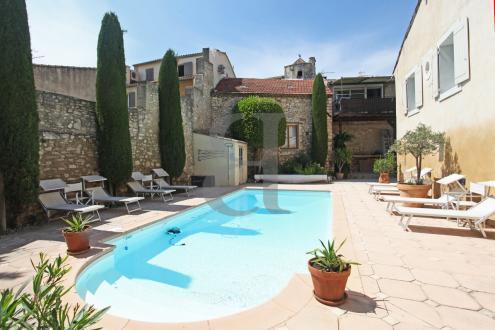 Luxury House for sale L'ISLE SUR LA SORGUE, 420 m², 9 Bedrooms, €896000