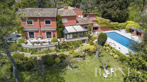 Casa di lusso in vendita MOUGINS, 450 m², 5 Camere, 3600000€