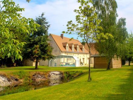 Вилла класса люкс на продажу  MOLINEUF, 320 м², 6 Спальни, 561800€