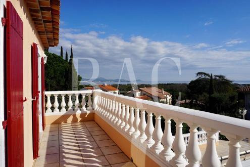 Вилла класса люкс на продажу  Сент-Максим, 230 м², 4 Спальни, 1249000€