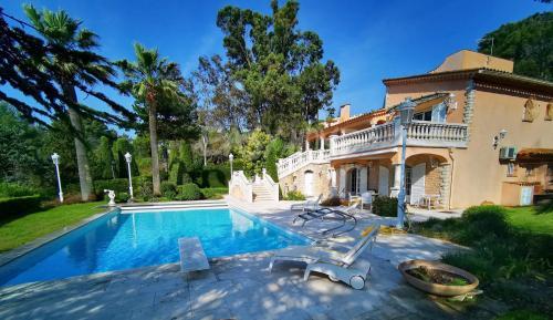 Luxus-Villa zu verkaufen MOUGINS, 280 m², 1290000€