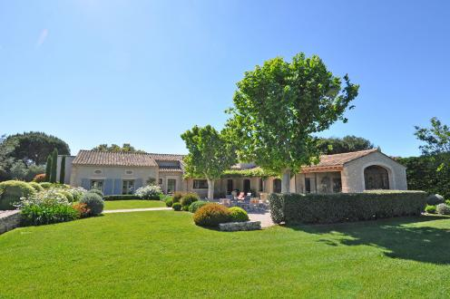 Luxury House for sale EYGALIERES, 400 m², 6 Bedrooms, € 2 950 000