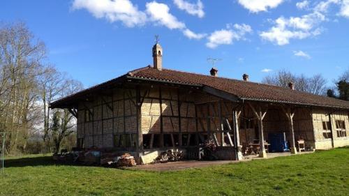 Luxus-Farm zu verkaufen MONTREVEL EN BRESSE, 375 m², 5 Schlafzimmer, 650000€