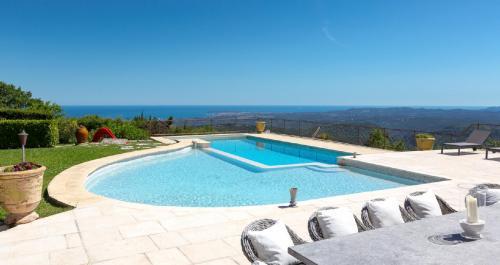 Maison de luxe à louer VENCE, 600 m², 7 Chambres,