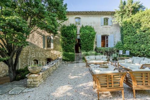 Farm de luxe à vendre BONNIEUX, 700 m², 7 Chambres, 8200000€