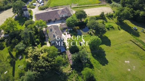 Château / Manoir de luxe à vendre BEAUMONT DE LOMAGNE, 900 m², 15 Chambres, 1865000€