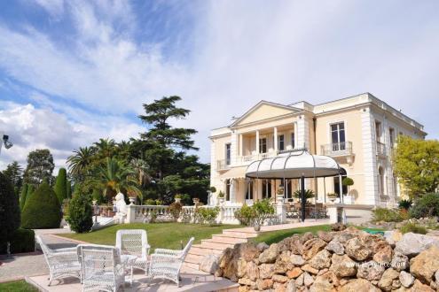 Hôtel particulier de luxe à vendre CANNES, 702 m², 7 Chambres