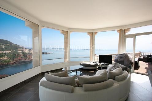 Luxus-Wohnung zu verkaufen MANDELIEU LA NAPOULE, 118 m², 3 Schlafzimmer, 1575000€