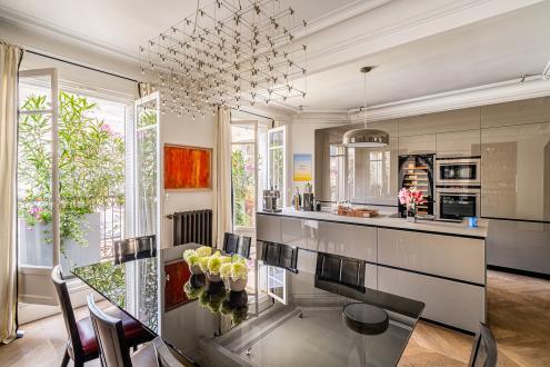 Квартира класса люкс на продажу  Париж 8ой, 172 м², 2 Спальни, 3800000€