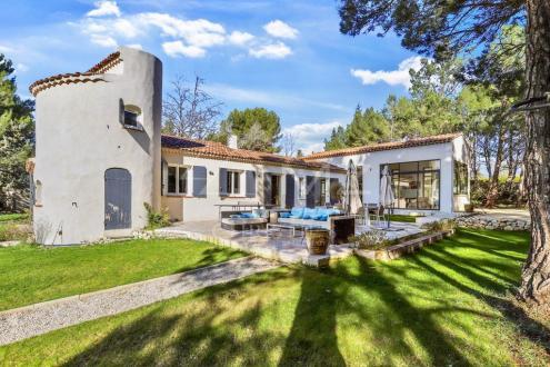 Дом класса люкс на продажу  Экс-Ан-Прованс, 195 м², 4 Спальни, 986000€