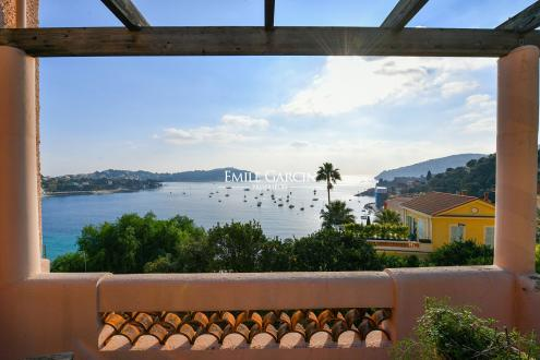 Luxury House for rent VILLEFRANCHE SUR MER, 250 m², 5 Bedrooms,