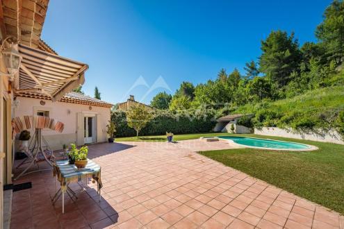 Дом класса люкс на продажу  Экс-Ан-Прованс, 280 м², 6 Спальни, 850000€
