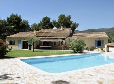 Вилла класса люкс на продажу  Пюже, 200 м², 4 Спальни, 865000€